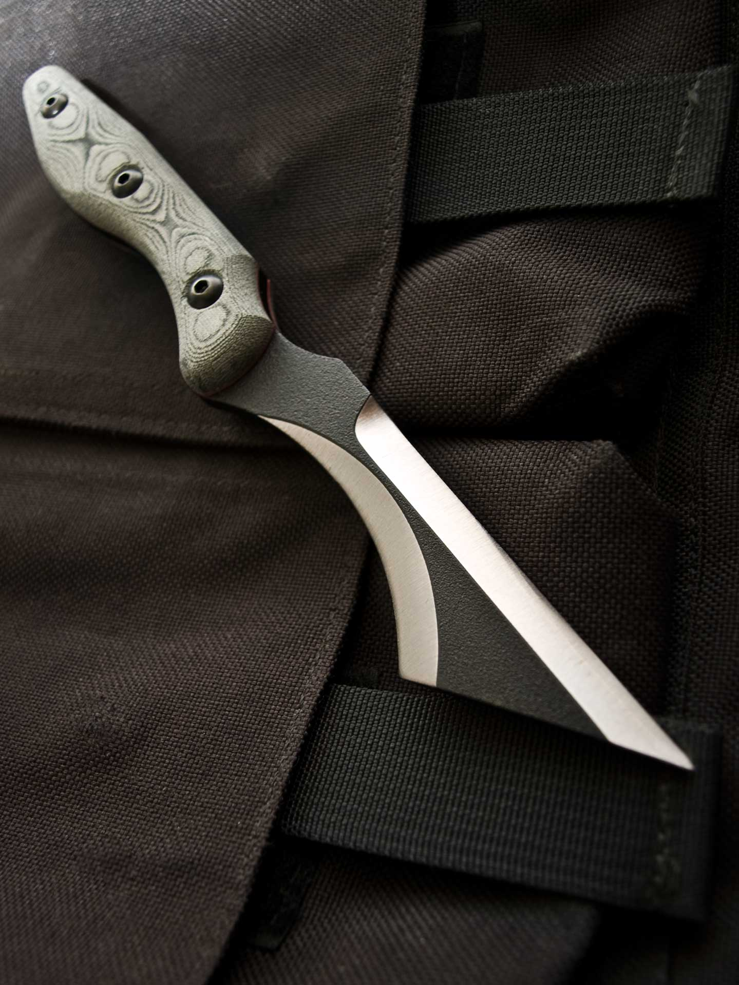 the back bite by tops knives max venom product group